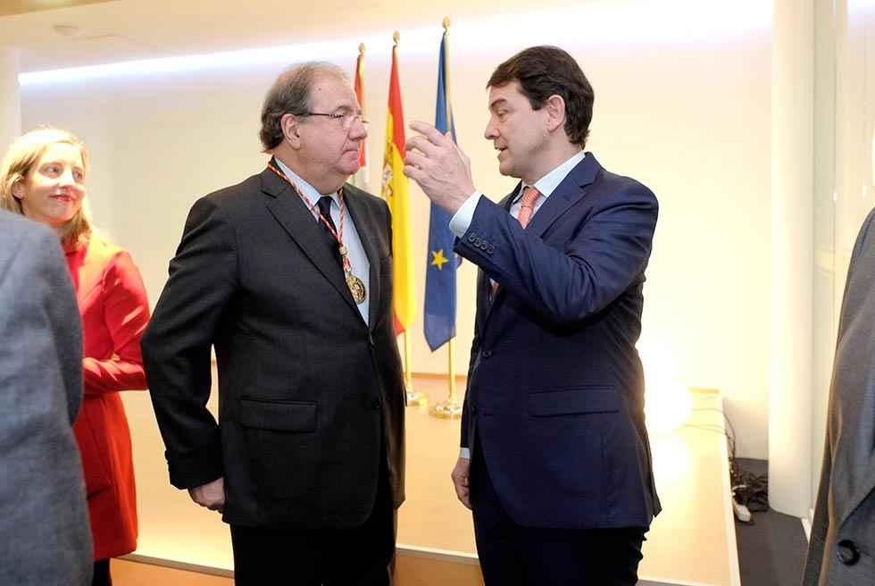 Mañueco reclama un Gobierno que dé estabilidad