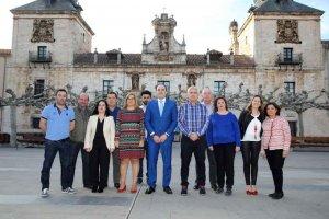 Cobo y Navas, como no adscritos, mantendrán gobierno en El Burgo