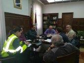 La Subdelegación analiza el problema del intrusismo en taxis
