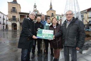 El Burgo entrega la recaudación de I Marcha Solidaria contra el cáncer