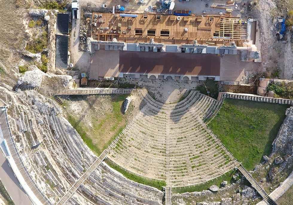 La restauración del teatro romano de Clunia finalizará en marzo