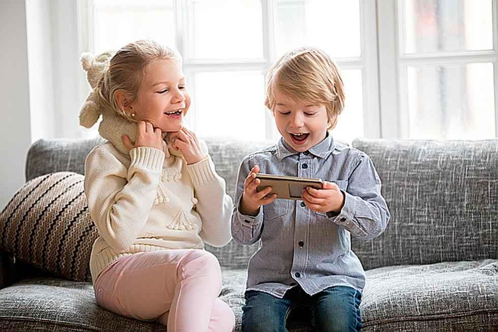 El móvil no es un regalo para los menores, según los psicólogos