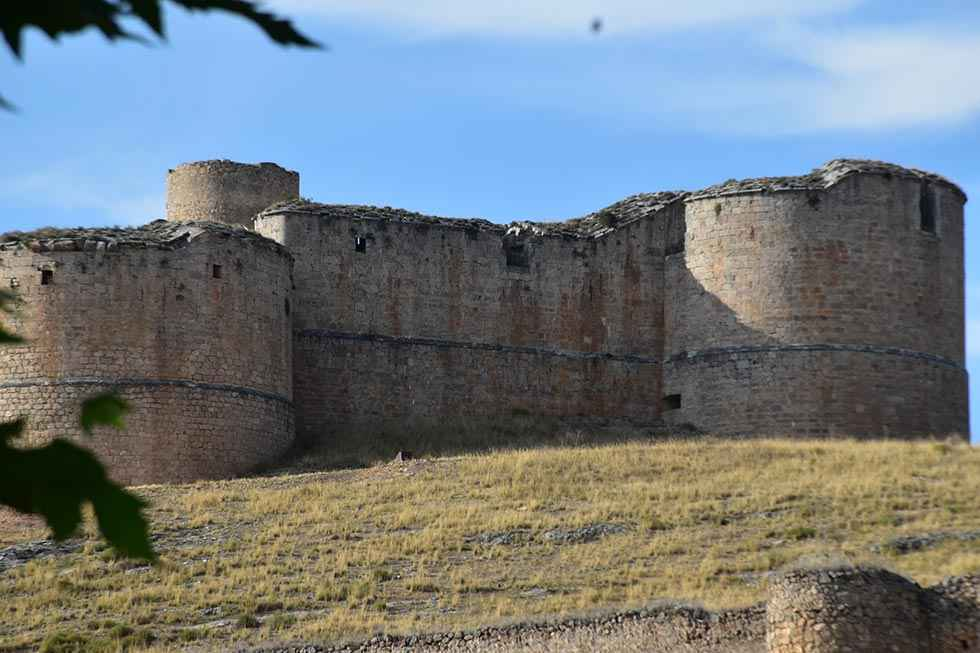 Nuevas excavaciones en el castillo medieval y artillero