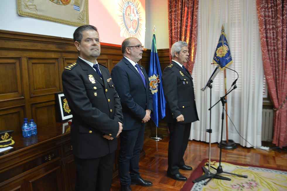 """El subdelegado resalta """"compromiso firme"""" con nueva comisaria"""