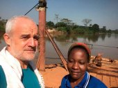 El obispo de Osma-Soria visita Camerún