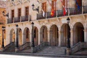 El Ayuntamiento aplica la subida de 2 por ciento en nóminas