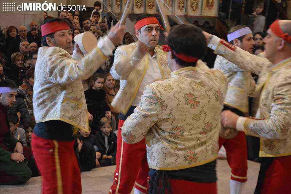 Las Cortes promoverán que paloteo sea Patrimonio de la Humanidad