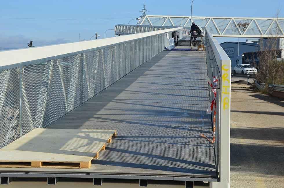 La pasarela peatonal ultima los trabajos para su apertura