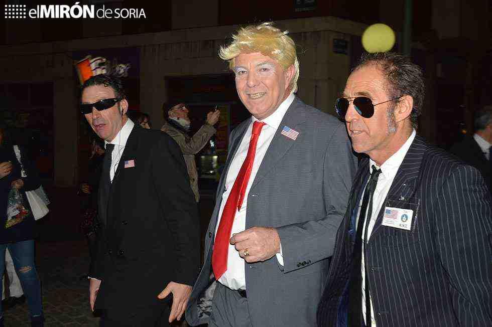 Trump cierra el desfile de carnaval de Soria