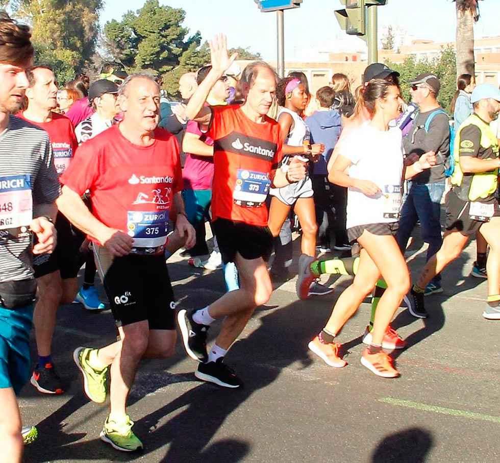 Fermín Cacho completa el maratón de Sevilla