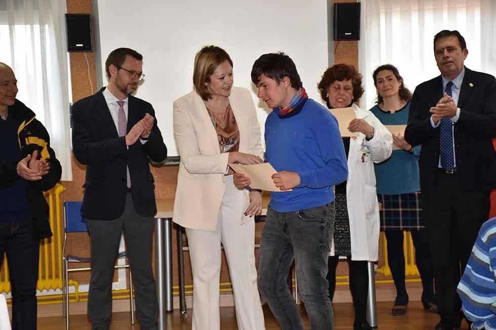 Diplomas para el CEE Santa Isabel por concurso 1-1-2