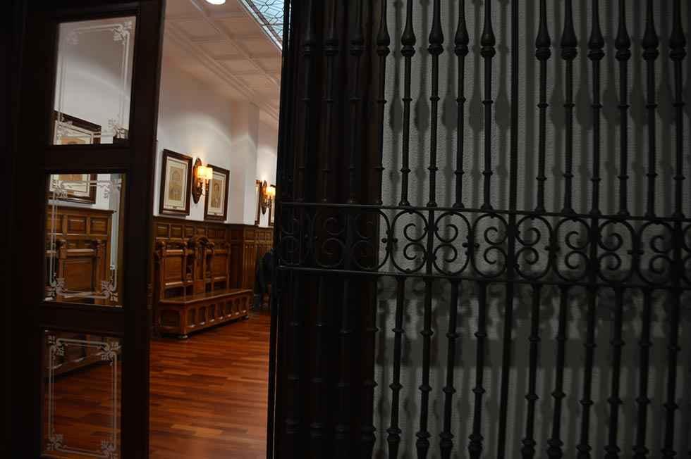 Diputación convoca cuatro becas para jóvenes investigadores