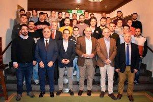 Jóvenes y cooperativas, claves para el futuro del campo