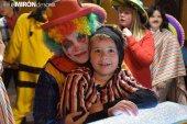 Ande Soria celebra su fiesta de disfraces