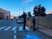 Almazán repinta los distintivos viales de las calles