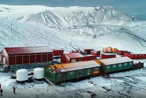 Los alumnos del IES Santa Catalina conectan con la Antartida