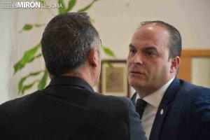 """El alcalde burgense replica a su antecesor """"por alusiones"""""""