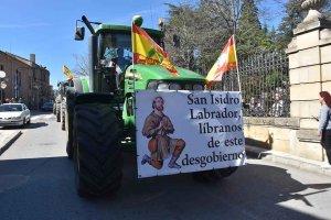 """La mayor """"tractorada"""" reclama futuro para el campo"""