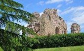 Un parque arqueológico en la muralla del castillo