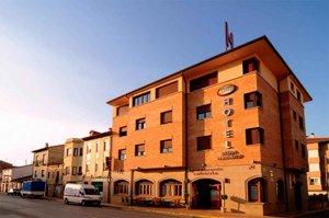 Ocho alojamientos turísticos, abiertos como servicios esenciales