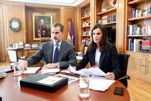 Los Reyes de España se interesan por situación de hospital