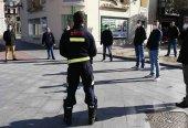 Los bomberos colaboran en desinfección de taxis