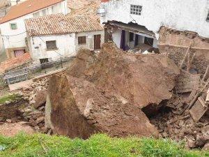 Desprendimiento de varias piedras en iglesia de Borobia
