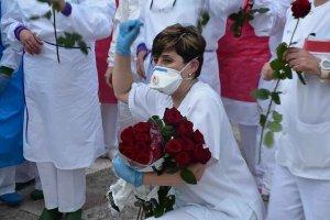 Rosas para el personal sanitario - fotos
