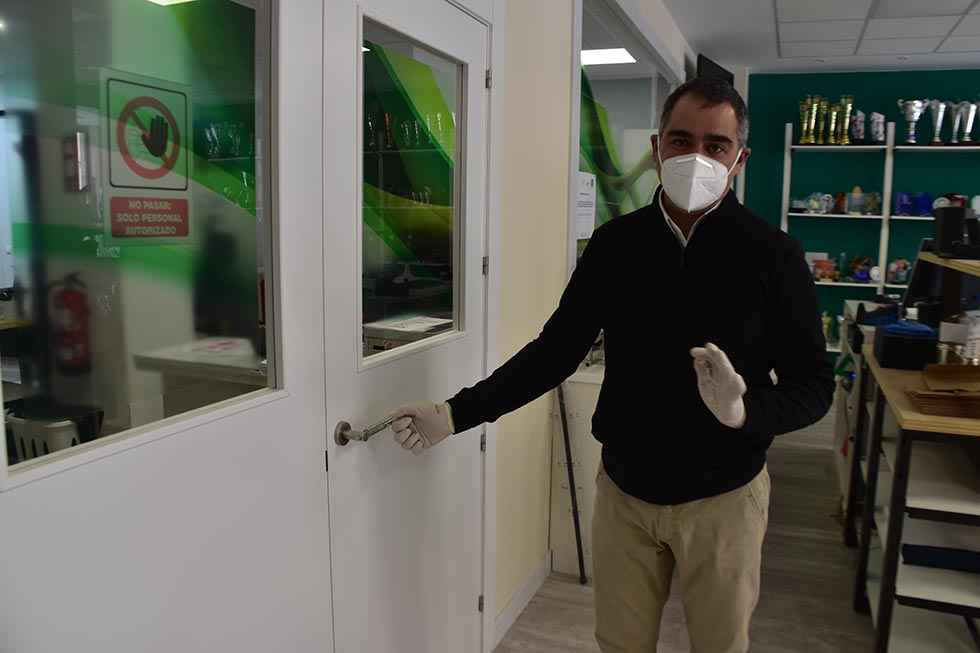 Un caballito de Soria para evitar contagios en las puertas
