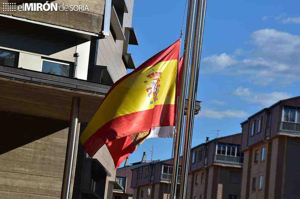 Díez días de luto oficial por fallecidos por Covid