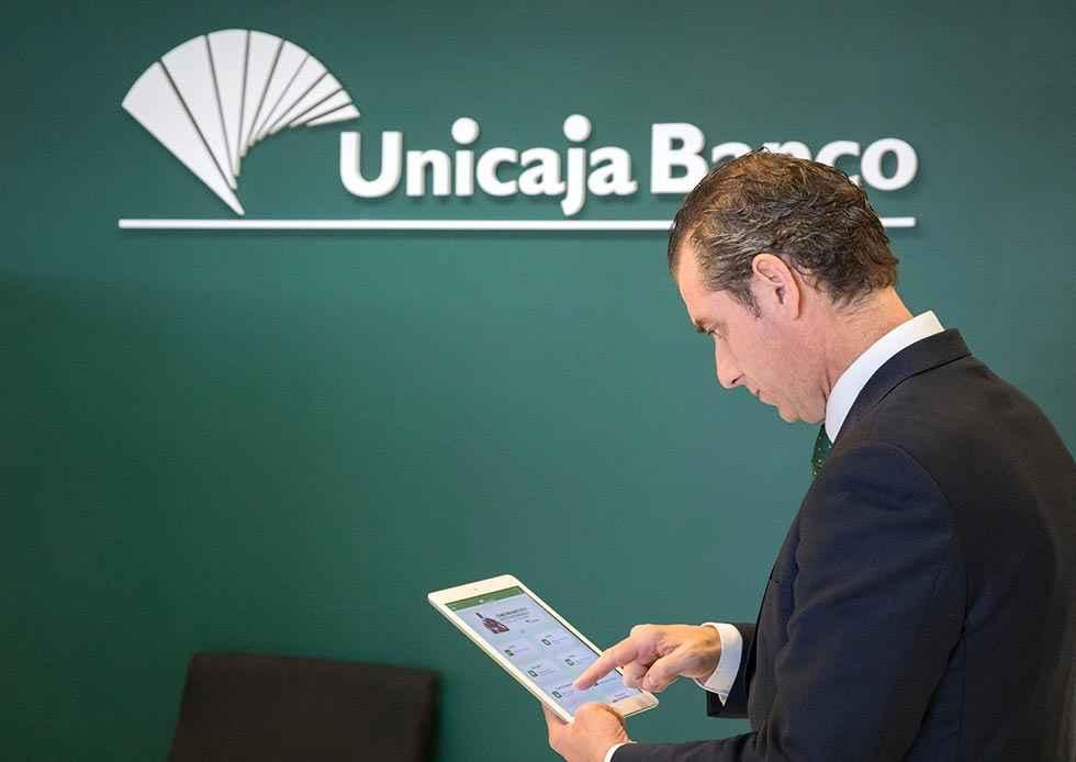 Unicaja Banco refuerza financiación con avales