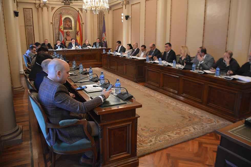 El PSOE urge convocatorias sociales, de autónomos y empleo