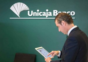 Unicaja Banco refuerza financiación con avales