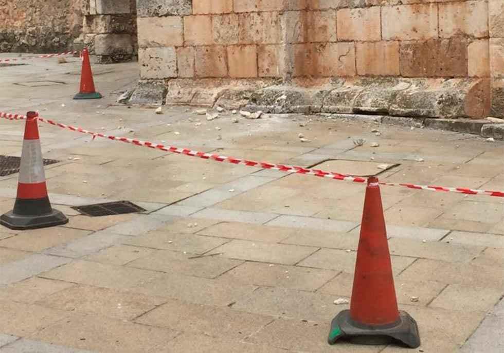 Desprendimientos en la torre de la catedral