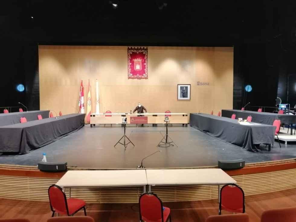 Pleno municipal en el Palacio de la Audiencia