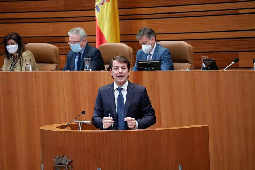 """Mañueco ofrece un pacto para los presupuestos de """"recuperación"""""""