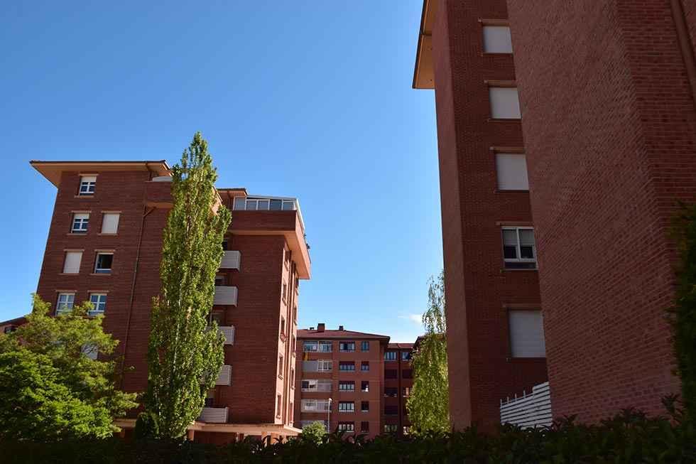 El Ayuntamiento incrementa ayudas para gastos de vivienda