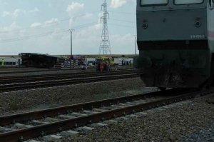 Dos fallecidos tras descarrillar locomotora
