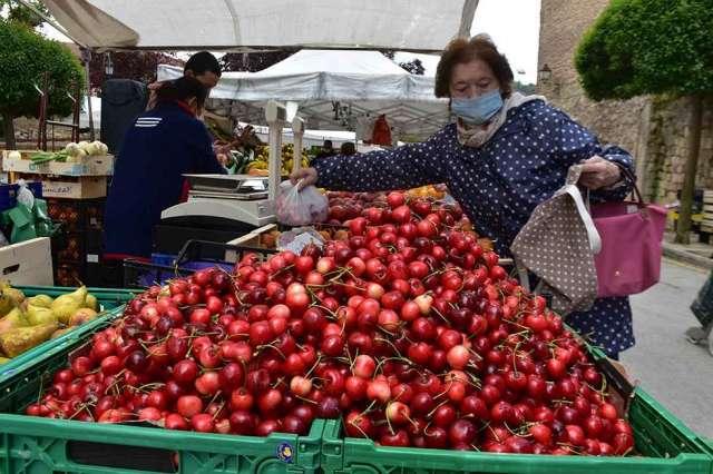 El regreso del mercado tradicional en Soria - fotos