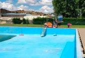 San Esteban de Gormaz adecúa su piscina municipal