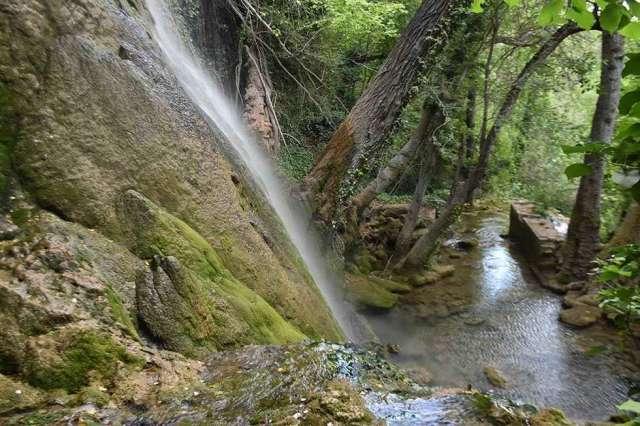 Cascada de la Toba, en verano - fotos
