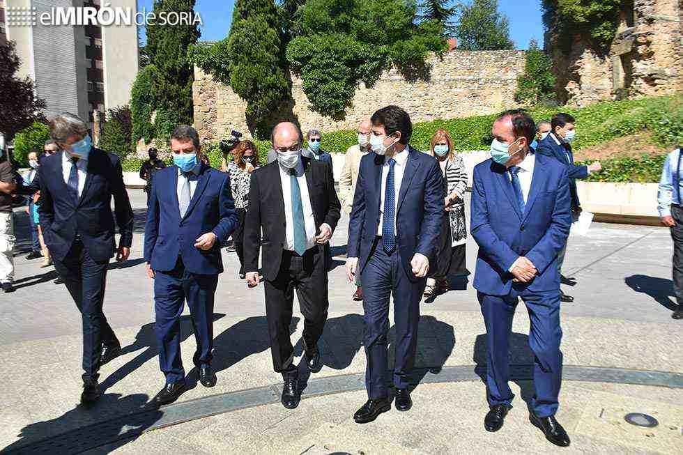 Tres presidentes autonómicos piden deducciones fiscales