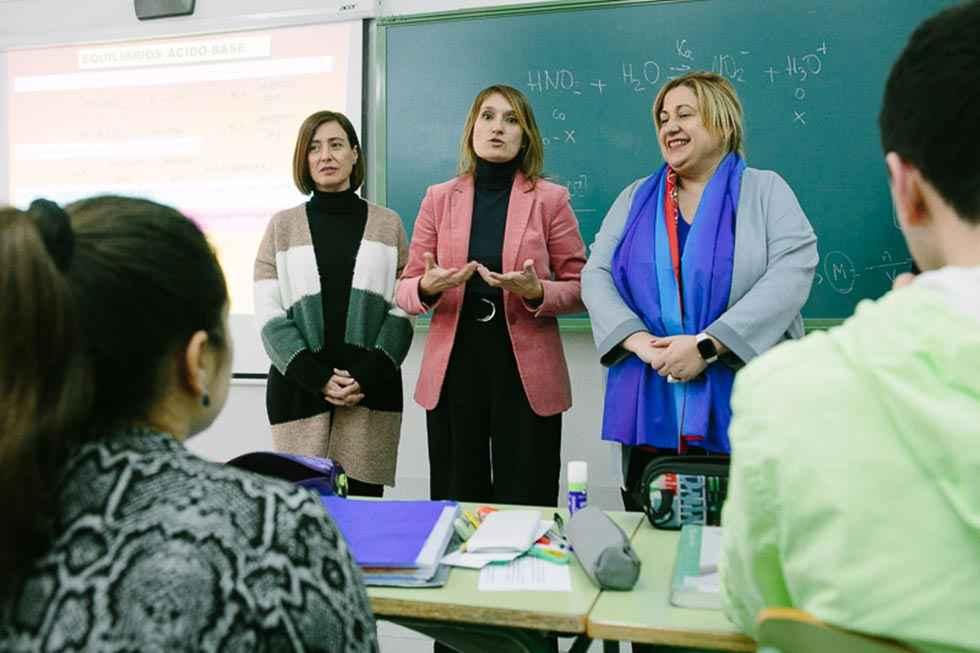El PSOE pide a Lucas que explique planes para nuevo curso