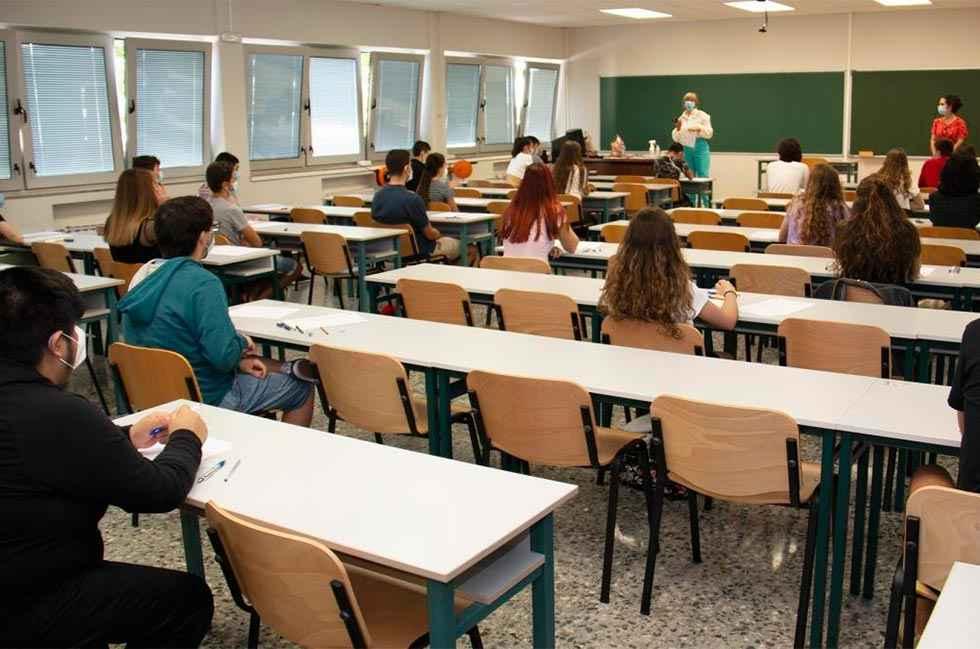 Podemos insta a reforzar la educación pública