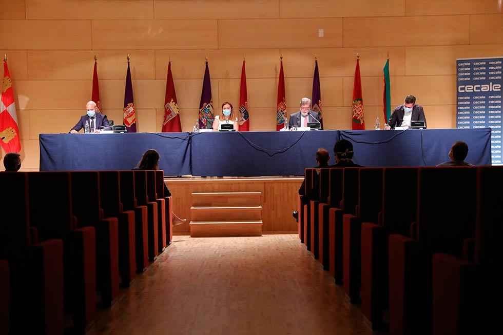 """CECALE presenta """"palancas estratégicas"""" para reactivar economía"""