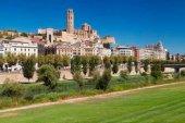 Cataluña confina a 210.000 personas por rebrote de Covid