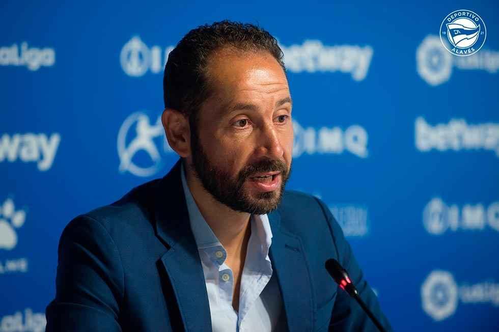 Machín ya ejerce como entrenador del Alavés