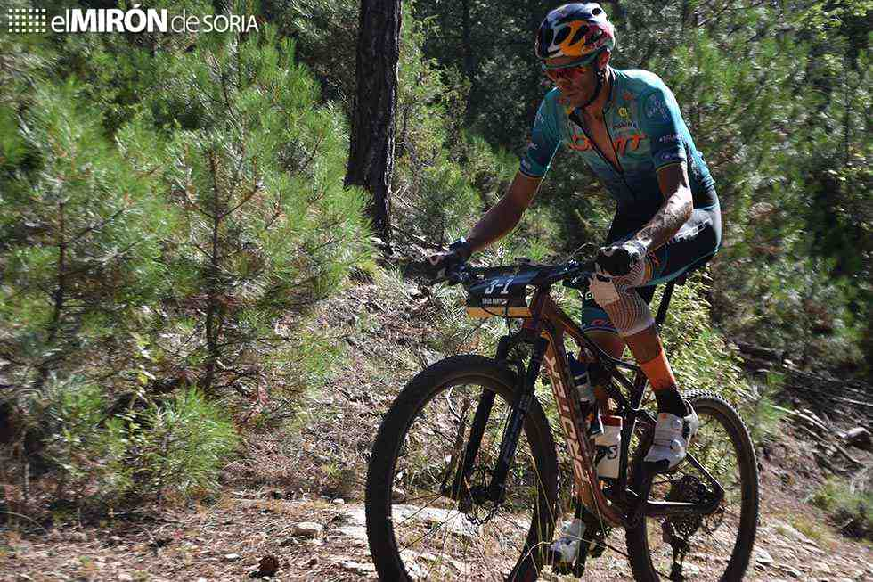 Ferreira y Becking gana la etapa más larga de Colina Triste