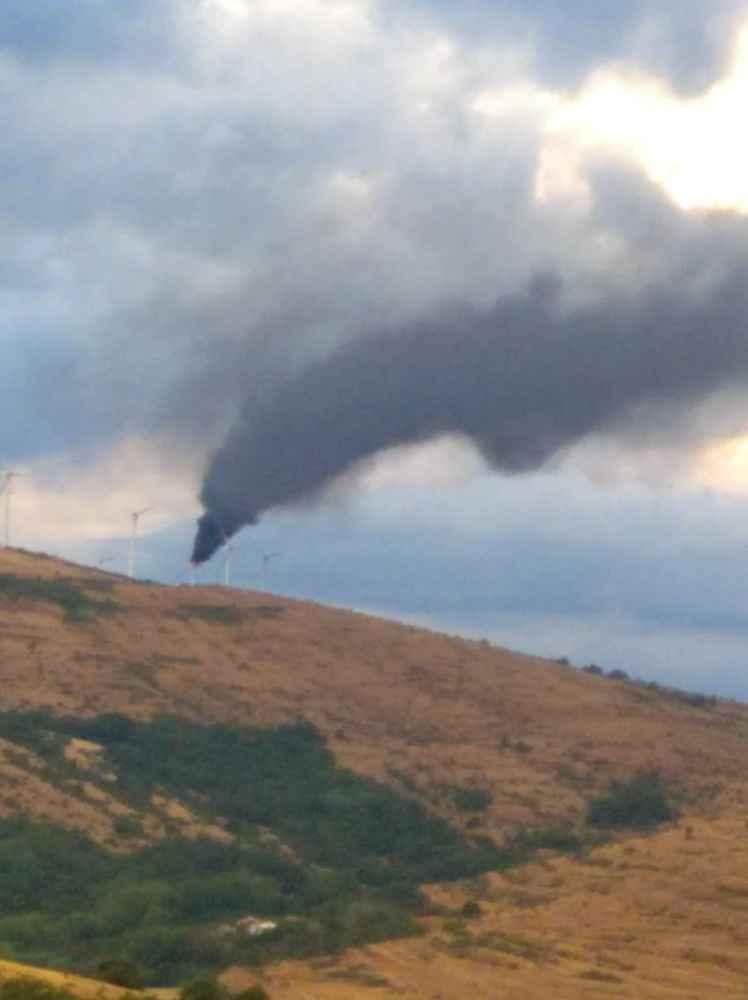 Un rayo calcina un aerogenerador en Montaves