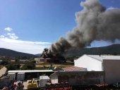 Incendio en taller de poliester, en Olvega
